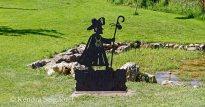 Another pilgrim statue