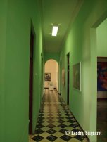 Inside Che Building