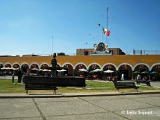 central plaza (2)