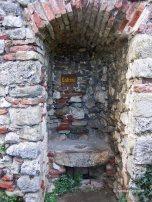 Foix latrine