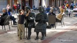 slapping statues in Burgos